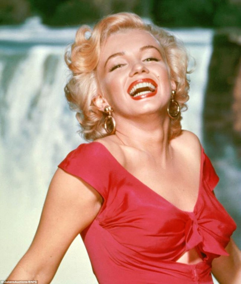 a biography of marilyn monroe an actress Written at the height of her fame but not published until over a decade after her death, this autobiography of actress and sex symbol marilyn monroe (1926-1962.