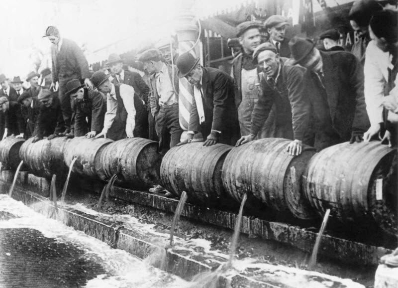 an overview of the era of prohibition in the 1920s in united states American history 1920s summary: the united states economy prohibition was passed at the beginning of the 1920s, but it was not enforced prohibition was a.