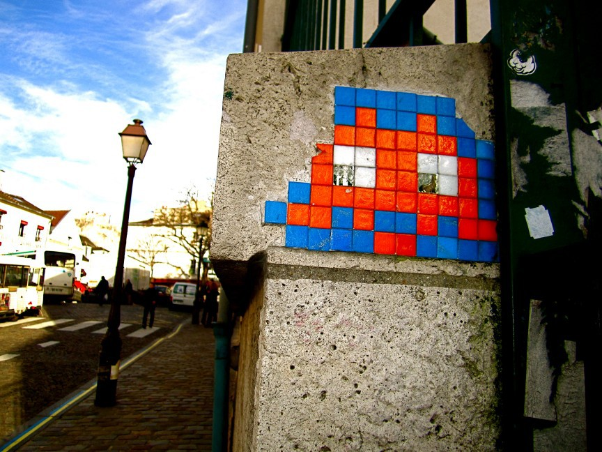 the invasion of the art works of the french urban artist invader The iconic french street artist is iconic street artist invader invites pixel-like magnets that allows kids and adults to create their own invader-style works.