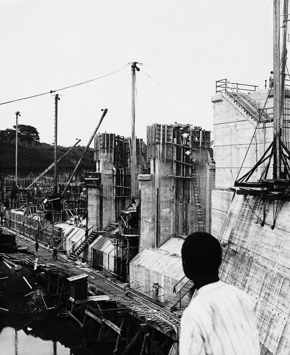 the controversy surrounding the construction of the panama canal Bunker focused on ensuring perpetual us use of the panama canal, rather than perpetual us control of the panama canal zone between the years of 1973 and 1976, bunker and his team were able to conclude a series of draft agreements with the government of panama that formed the foundation of the eventual torrijos-carter.